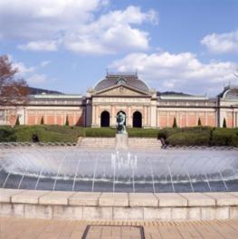 近代日本の歴史的建造物として重要文化財に指定されている