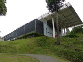 金津創作の森の中心的な存在といえる建物、アートコア