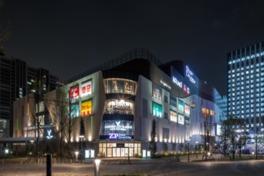 複合商業施設・ダイバーシティ東京の一角をなす