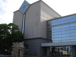 青森県立図書館の2Fに開設している