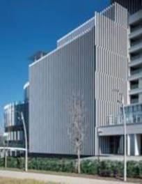 居心地の良い「都市の居間」を目指し、隈研吾が設計