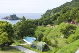 海に面した眺めの良いテントサイト