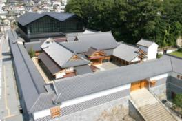 江戸時代にタイムスリップしたかのような建物は黒川紀章による設計