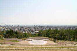 展望台からは札幌市内や石狩平野を一望できる