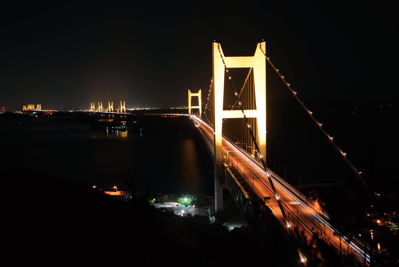 雄大な瀬戸大橋の夜景は圧巻