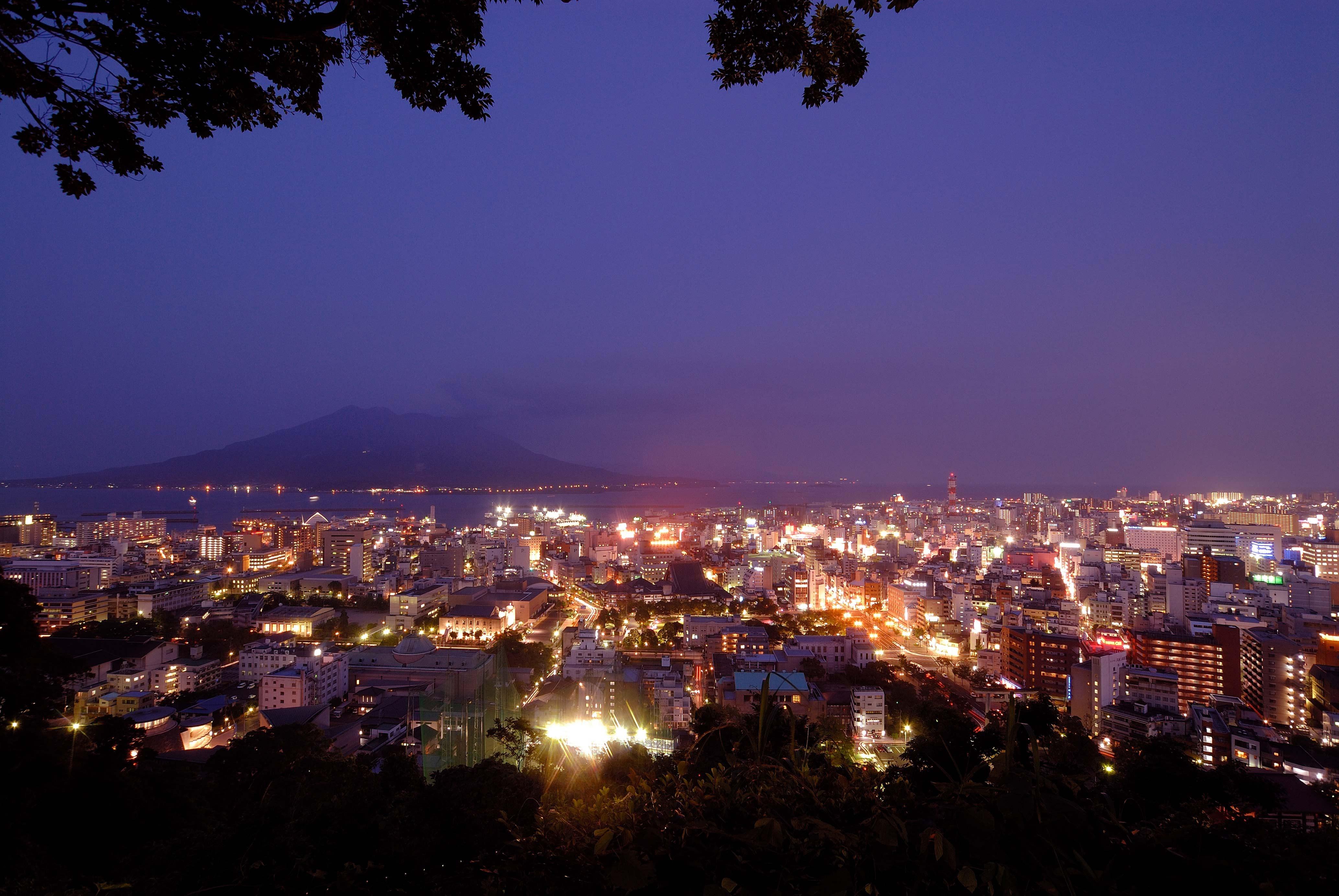 南九州随一の賑わいを見せる鹿児島市街の夜景を堪能