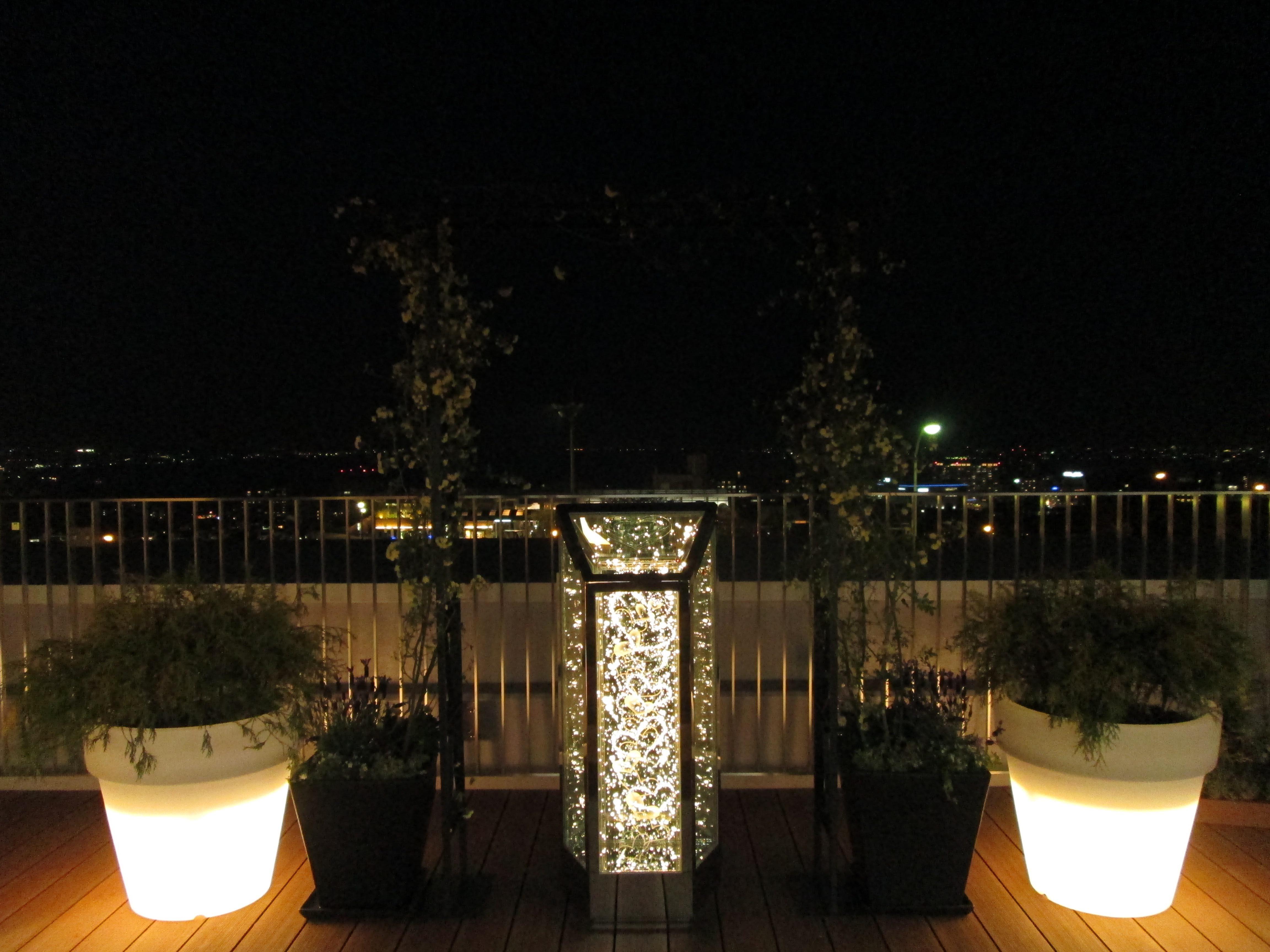 下り線展望デッキから大津市街の夜景を観賞